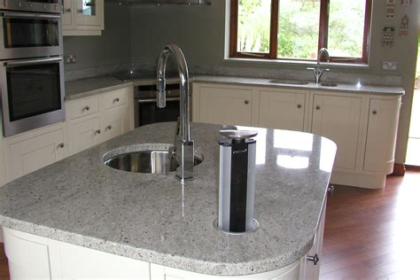 why homeowners choose stone or quartz worktops kitchen