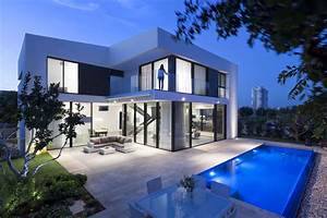 Simple Modern House With An Amazing Floating Stairs