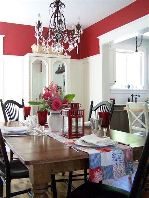 red walls  white board batten