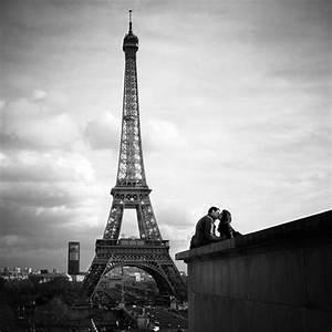 寻找原图、灰色埃菲尔铁塔唯美图片 百度知道