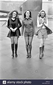 Mode Der 70er Bilder : 70er jahre mode shorts januar 1971 71 00161 015 stockfoto bild 20470760 alamy ~ Frokenaadalensverden.com Haus und Dekorationen