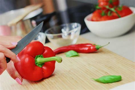 les psychologues expliquent les bienfaits de cuisiner pour les autres