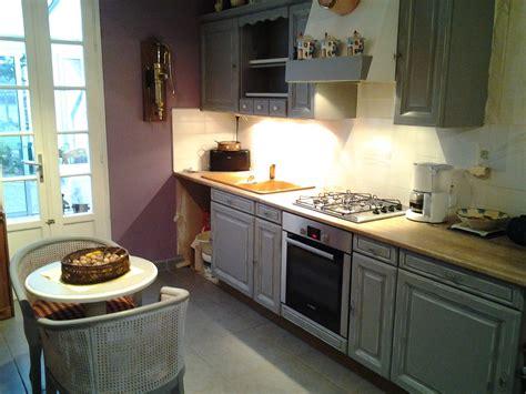 cuisine repeinte en gris moulures patin 233 es en blanc cr 233 ations de l atelier maryline