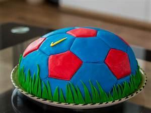 Fußball Torte Rezept : rezept und anleitung f r eine fc barcelona fu balltorte ~ Lizthompson.info Haus und Dekorationen
