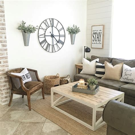 25+ Best Small Living Room Decor And Design Ideas For 2018