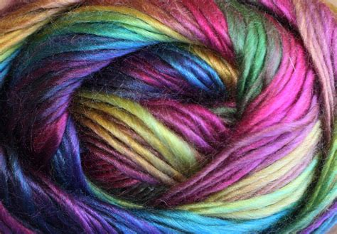 review  unforgettable  yarn  red heart