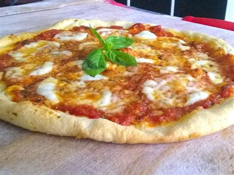 la pizza margherita recette r 233 alisable 224 la maison recette de la pizza margherita recette