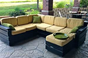 Outdoor sofa with chaise outdoorcouches outdoor sectional for Sectional sofa patio cover