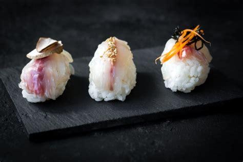 cuisiner le bar en papillote recette sushis de daurade