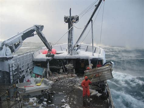 Crab Fishing Boat Jobs by Commercial Fishing In Alaska Wikipedia
