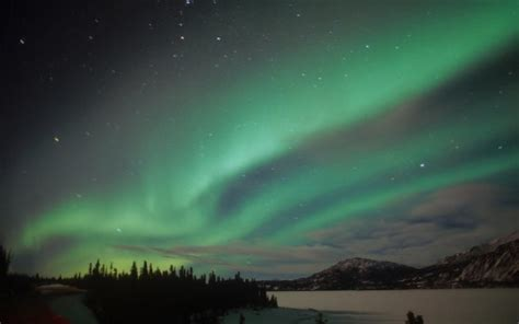 ireland northern lights want to see the northern lights in ireland here s what to do