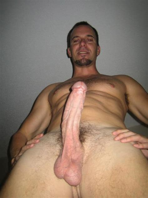 Big Dick Got Photographed From Below Nude Men Pics