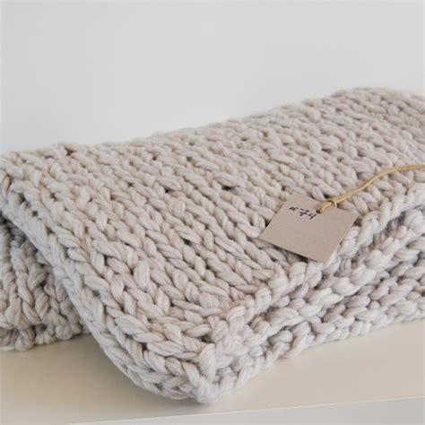 how to knit chunky blanket chunky knit blanket interior stuff 1 pinterest