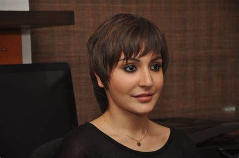 Anushka Sharma Plastic Surgery Disaster Controversy Exposed