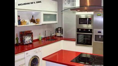 muebles de cocinas en color rojoburdeos  granate