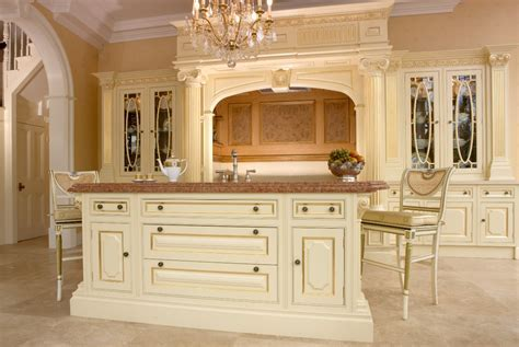 Ex Display Clive Christian Regency Painted Kitchen, Island