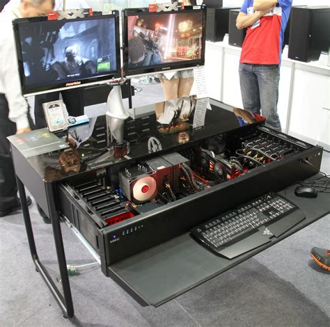 pc dans bureau computex les pc bureaux et table basse de lian li