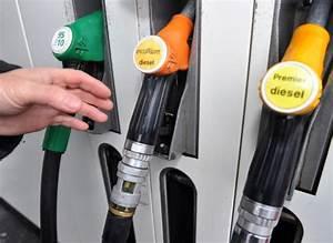 Prix Essence Sans Plomb 95 : prix la pompe une station essence paris franchit le cap des 2 euros le litre de sans plomb 95 ~ Maxctalentgroup.com Avis de Voitures