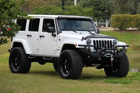 white jeep sahara lifted all white wrangler 2 jeep pinterest all white