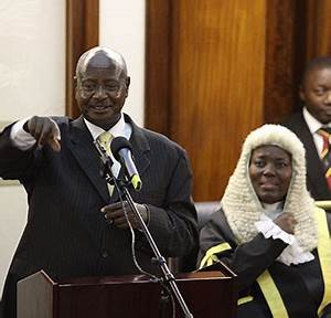 Museveni directs Parliament to convene over new districts