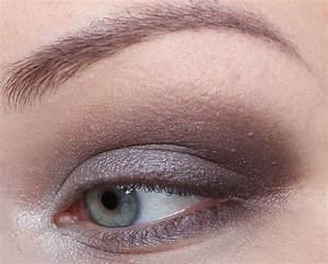 Eyeliner Für Anfänger : schritt f r schritt zum schimmernden taupe eye magimania beauty blog ~ Frokenaadalensverden.com Haus und Dekorationen