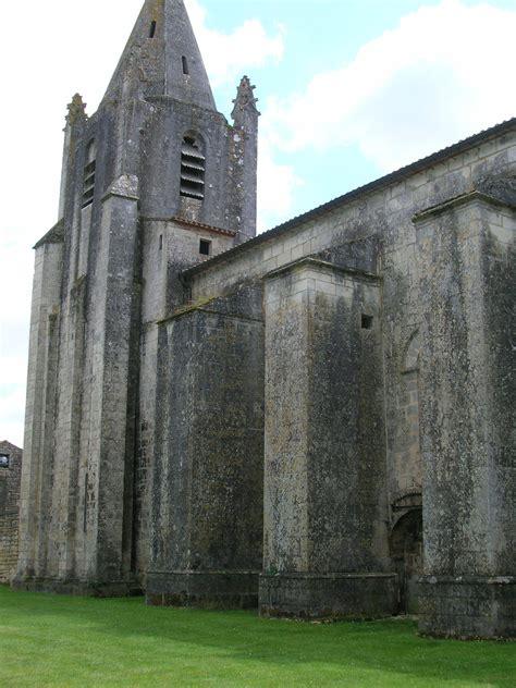 LE DOUHET (17 église romane | Eglise romane, Poitou ...