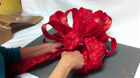 how to make bow for christmas tree how to assemble your bow dacious tree topper part 3