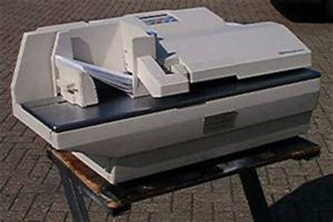 pitney bowes  envelope sealing machine