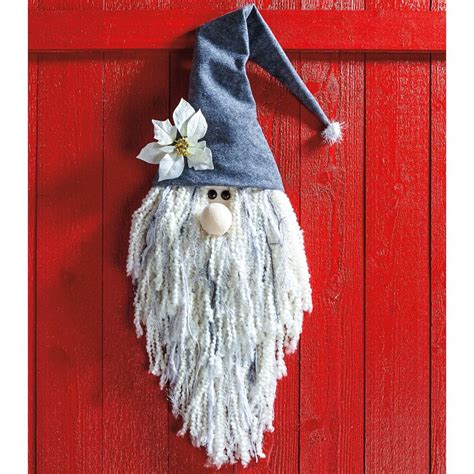 easy christmas decorations    gnome decor