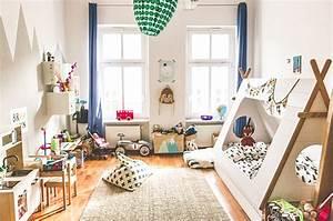 Tisch Und Stühle Kinderzimmer : unser erstes kinderzimmer so ist es geworden glowbus ~ Bigdaddyawards.com Haus und Dekorationen
