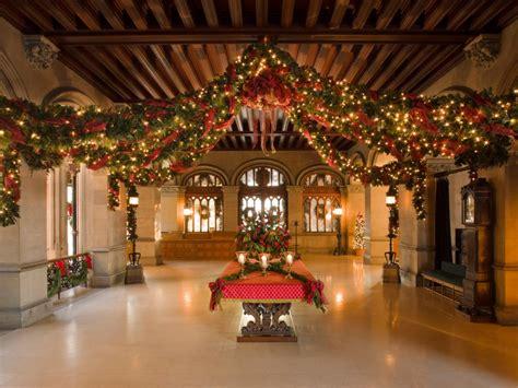 christmas  biltmore hgtv