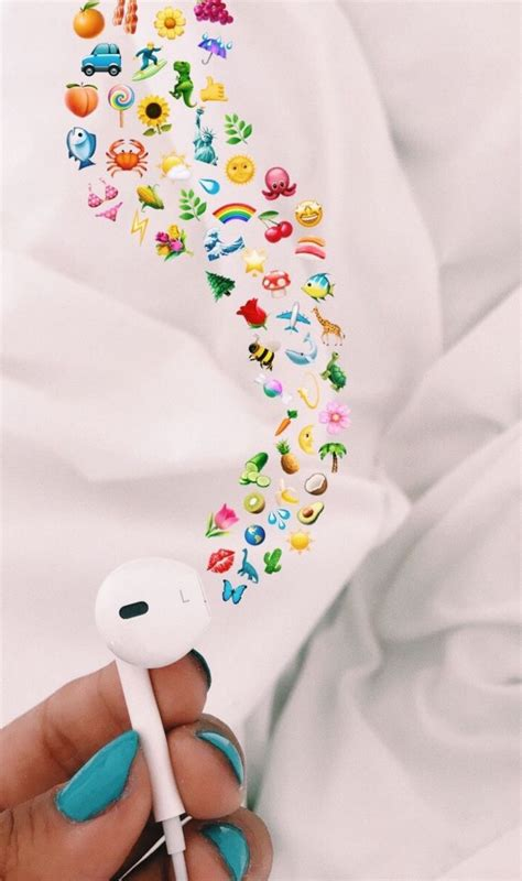 Aesthetic Headphone Iphone Emoji Aesthetic Wallpaper by Yourgirlkin A R T S Y Emoji Pictures