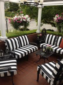 Patio Umbrella Lights by Black And White Striped Outdoor Furniture Cushions