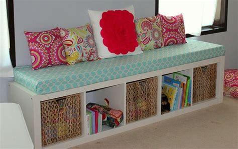 customiser un canapé 10 trucs pour décorer et rénover à mini prix transformez