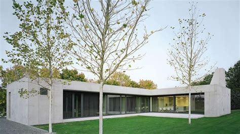 Moderne Architekten Bungalows by Bungalow In Sichtbeton Beton Org Home Sweet Home In