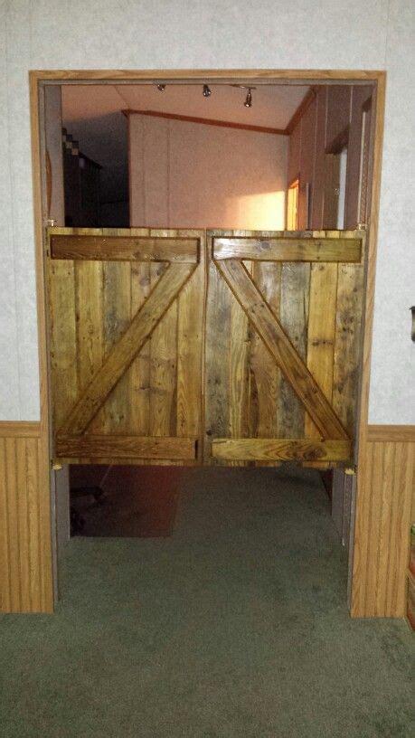 saloon doors   wood pallets  projects pallet