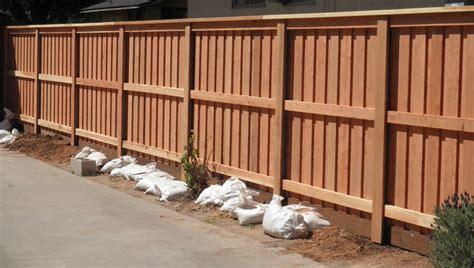 wood fencing bobs fence  ventura  santa barbara