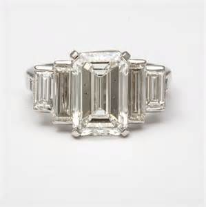 engagement rings emerald cut emerald cut engagement rings with baguettes diamantbilds