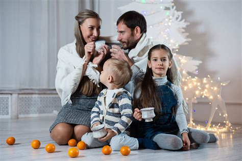 What You Can Learn From Awkward Family Photos   Proclaim ...