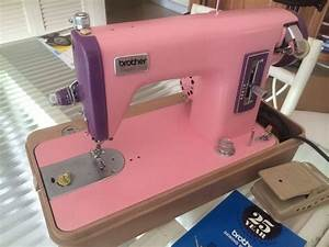 1000+ images about Vintage Pink Sewing Machines on ...