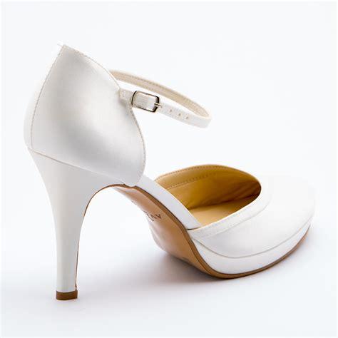Pelle • tacco di 13 cm comprensivo di sotto tacco e sotto piede, plateau 2 cm • suola: Patrizia Cavalleri   Scarpe   Scarpa sposa tacco cm. 9,5