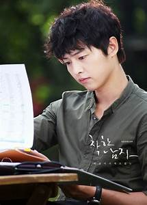 Song Joong Ki as Kang Ma Ru - Innocent Man (Nice Guy ...