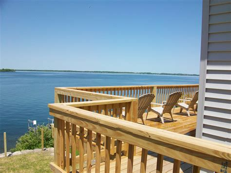 Angel Rock Waterfront Cottage Rentals In Cape Vincent Ny