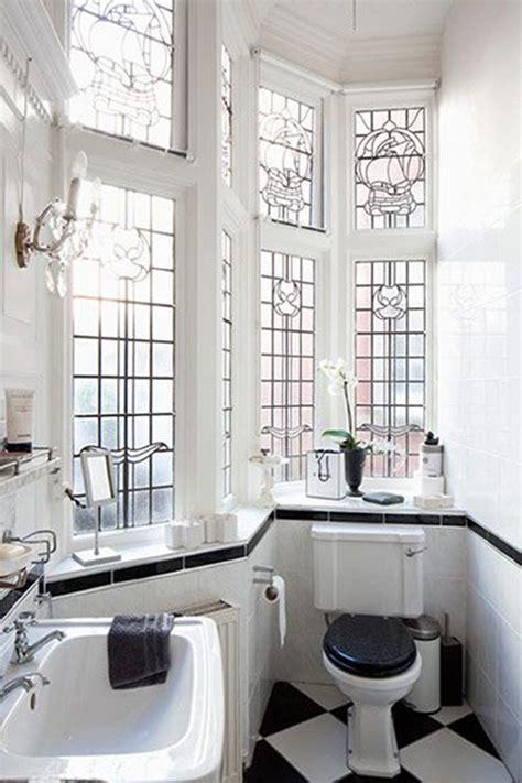 classic black  white bathroom tile ideas