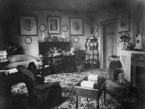 how to decorate small bedroom 1000 ideas about victorian parlor on pinterest 18891 | e7be2b7a6e74dd13f26ca18891ce231a