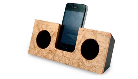 wooden iphone speaker koostik zero energy iphone speakers inhabitat green