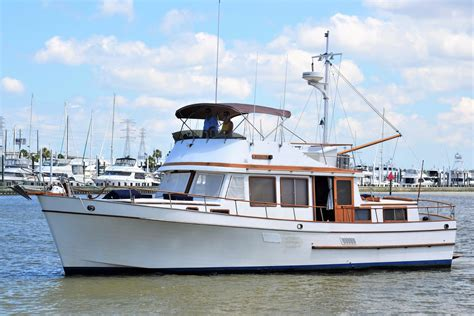 Marine Trader Boats For Sale Canada by 1983 Marine Trader 44 Tri Cabin Power Boat For Sale Www