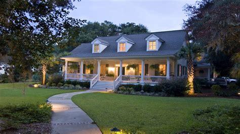 craftsman style house southern cape  style houses beautiful coastal homes treesranchcom