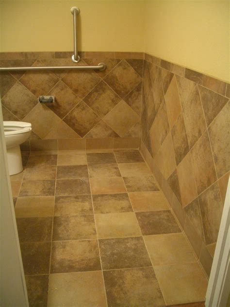 Tile Wainscoting Ideas by Tiled Waincoating Bathroom Tile Wainscoting Bathroom