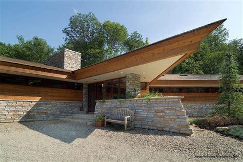 organic architect inspired  frank lloyd wright